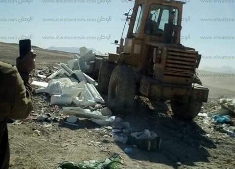 بالصور| إعدام 1.5 طن لحوم فاسدة بالبحر الأحمر