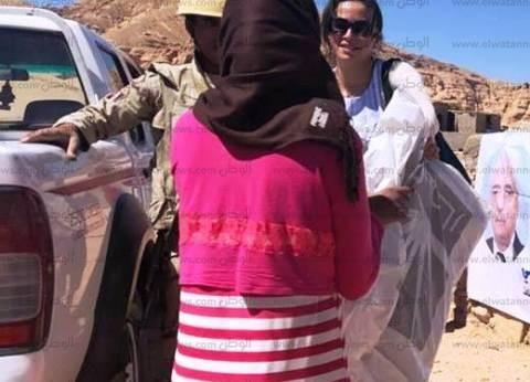 بالصور| القوات المسلحة توزع 500 بطانية و750 جاكت بوديان جنوب سيناء