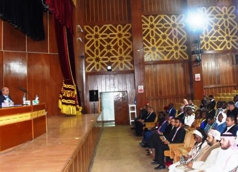 سكرتير عام محافظة أسوان يلتقى وفد منتدى الشباب العربى والإفريقى