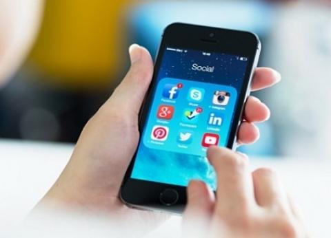 """بعد جلسة """"التواصل الاجتماعي"""".. خبراء يوضحون أساليب التجنيد الإلكتروني"""