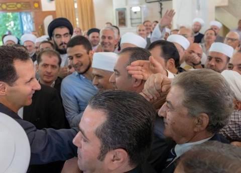 بالصور| الرئيس السوري بشار الأسد يؤدي صلاة العيد بجامع الروضة في دمشق