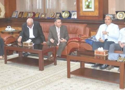 محافظ المنيا يطالب مجلس إدارة النادي الرياضي بإدارة موارده بفكر عصري