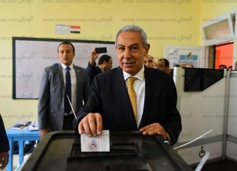 بالصور| وزير الصناعة يدلي بصوته في الانتخابات الرئاسية بالقاهرة الجديدة