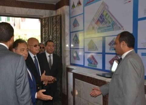 """رئيس الوزراء: القطاع السياحي ضمن أولوياتنا ونأمل """"عودتها الطبيعية"""""""