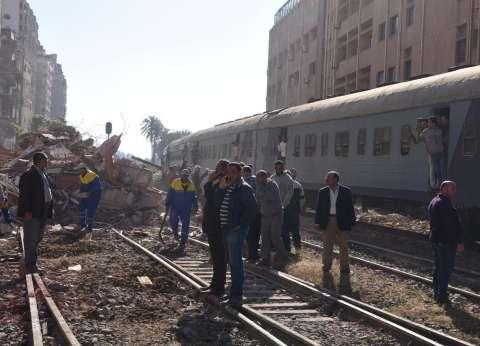 انهيار عقار مكون من 7 طوابق شرق الإسكندرية