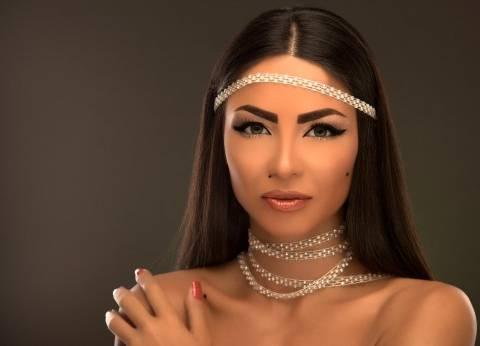 """دوللى شاهين تنفي خبر عودتها لزوجها: """"اللى بيجمعنا نور وبس"""""""
