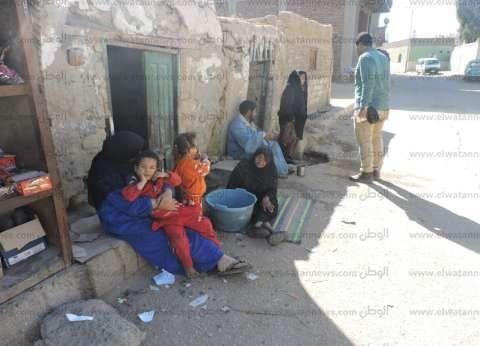 """بعد سقوط عقار.. أهالي """"الزبيدي"""" في قنا: 60 منزلا أخرى مهددة بالانهيار"""