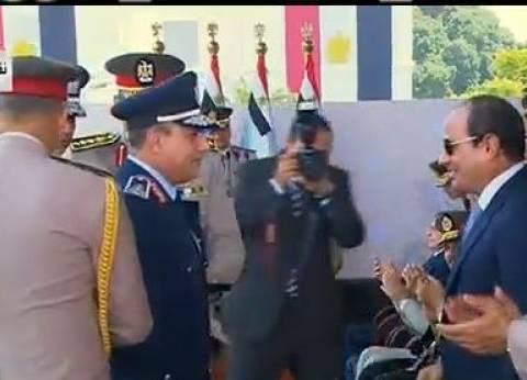 عاجل| السيسي يصدق على ترقية قائد القوات الجوية إلى رتبة فريق