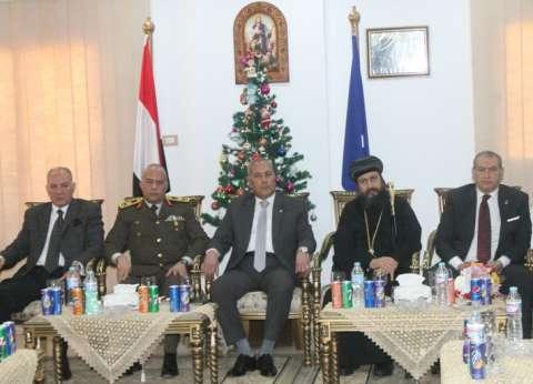 محافظ السويس والقيادات تزور كنيسة مار جرجس للتهنئة بأعياد الميلاد