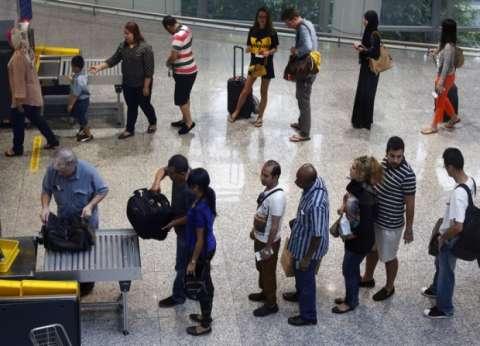 فالكون: عمليات التفتيش والمراقبة فى المطارات لا تستغرق حاليا أكثر من 35 ثانية