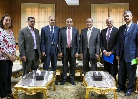 جامعة بني سويف وبنك الإسكندرية يبحثان سبل تعزيز التعاون