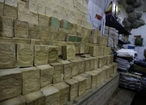 """تجارية """"القاهرة"""" ارتفاع زيت الزيتون يقلل إنتاج صابون النابلسي في الأسواق"""