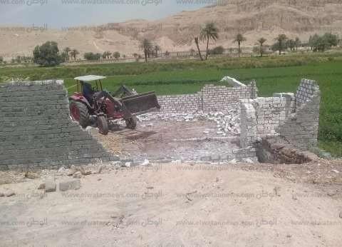 إزالة 184 حالة تعد على الأراضي الزراعية بقرى مركز الزقازيق