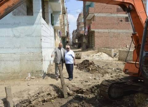بالصور  تدعيم تربة الصرف الصحي بأبو طبل في كفر الشيخ