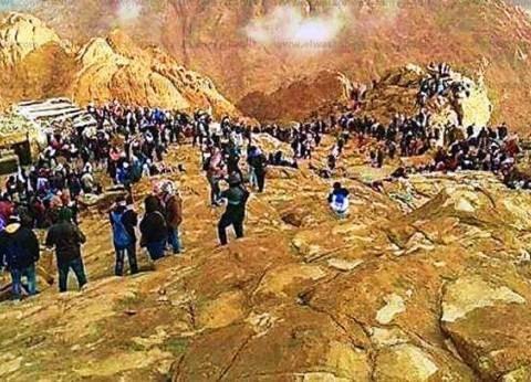 بالصور| رحلة الصعود لقمة جبل موسى والهبوط لدير سانت كاترين
