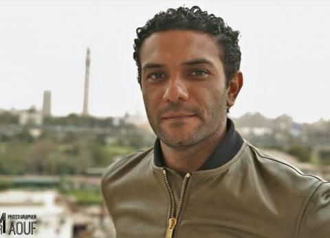 """آسر ياسين يسجل أغنية جديدة مع فرقة """"وسط البلد"""""""