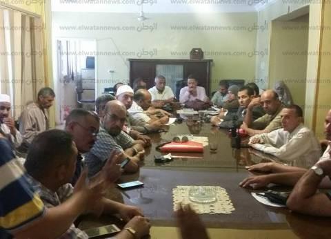 بالصور| توجيهات برصف طرق وحل مشاكل المياه والصرف سيدي سالم في كفر الشيخ