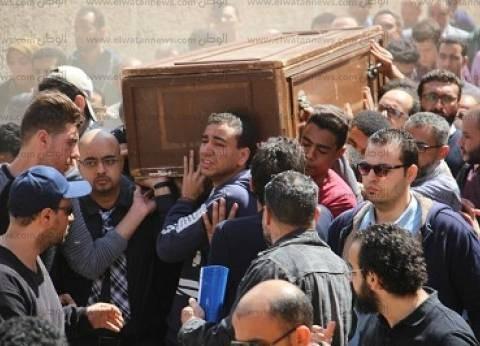 أهالى الغربية يودعون جثمان أحمد خالد توفيق فى مشهد جنائزى مهيب وسط غياب المثقفين