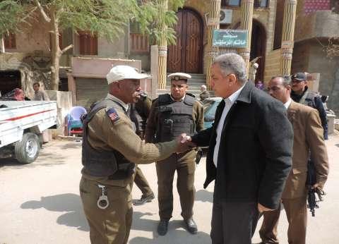 بالصور| مدير أمن الفيوم يتفقد أعمال حملة إزالة وتمركزات أمنية بمركز سنورس