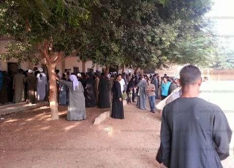"""مشادات كلامية بين أنصار مرشحين بـ""""صدفا والغنايم"""" في أسيوط"""