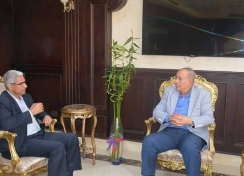 """محافظ البحر الأحمر يبحث إنشاء فرع الجامعة مع رئيس """"جنوب الوادي"""""""