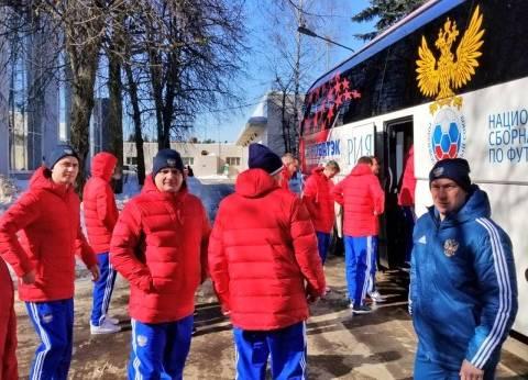 المنتخب الروسي لكرة القدم يدلون بأصواتهم في الانتخابات الرئاسية