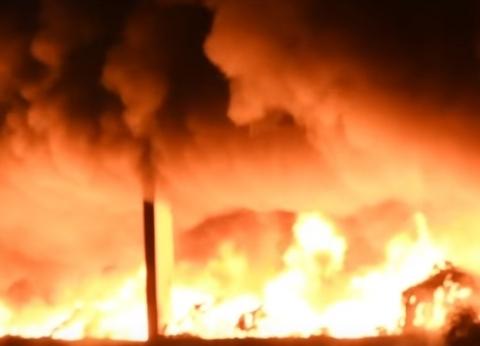إصابة 3 في حريق بشركة بترول التهم ونش وسيارتين بالبحيرة