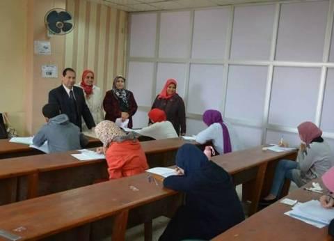 رئيس جامعة بورسعيد يتفقد سير الامتحانات بكليتي التمريض ورياض الأطفال