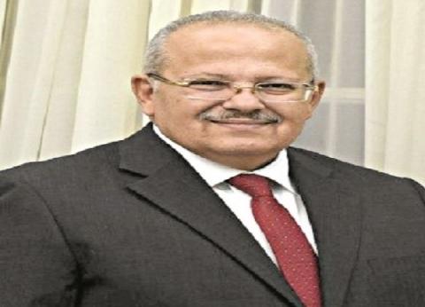 """رئيس جامعة القاهرة: لا تأجيل للامتحانات.. وخلوا بالكم من """"كذبة أبريل"""""""