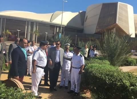 بالصور| مساعد وزير الداخلية للموانئ يتفقد الخدمات الأمنية بشرم الشيخ