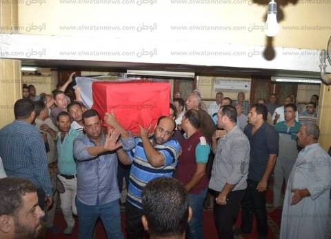 بالصور| أهالي محلة مرحوم في طنطا يشيعون جثمان «شهيد سيناء»