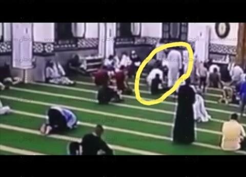صور| حسن الخاتمة.. مصلي تفيض روحه وهو ساجد يصلي الفجر بمسجد في الغردقة