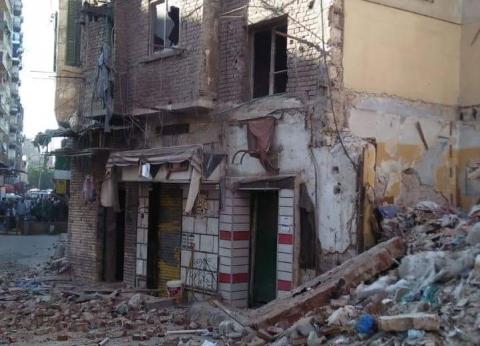 نائب محافظ القاهرة: إزالة إعلانات مخالفة ووقف أعمال بناء في حلوان