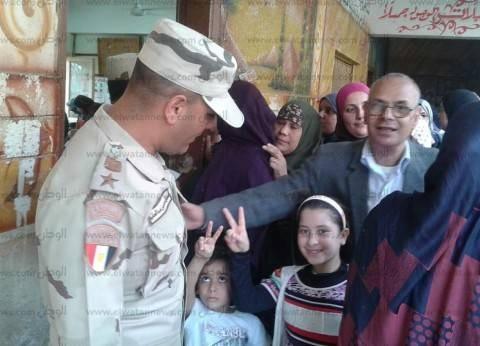 """إقبال ملحوظ من الناخبين في اللجان الانتخابية بقرية """"دفرة"""""""