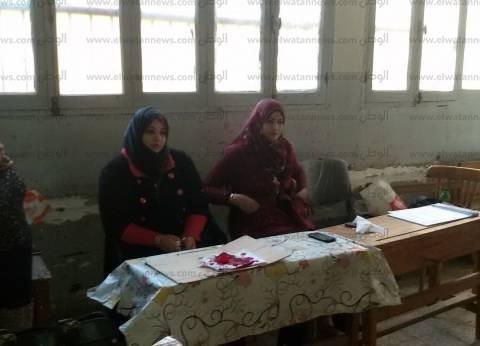 بالصور| إقبال ضعيف ومكبرات صوت تدعو الناخبين للتصويت في دائرتي بني سويف المعادة