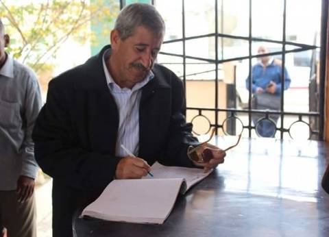 رئيس مدينة القصير يناقش مستجدات مشروع الصرف الصحي بالمدينة