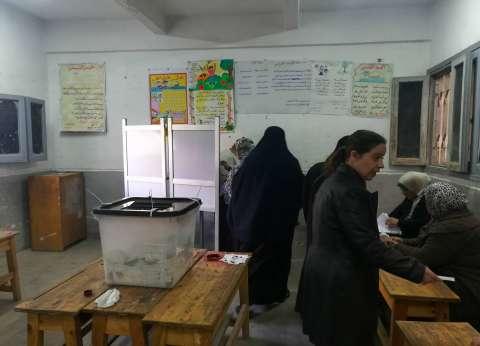 إقبال الناخبين على التصويت في لجان شرق الإسكندرية