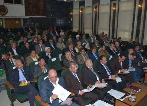 بالصور  محافظ الغربية يناقش المشروعات التعليمية في اجتماع المجلس التنفيذي