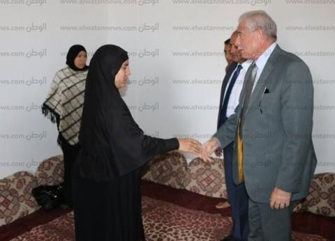 محافظ جنوب سيناء يعزي أسرة مدير الشؤون القانونية بمدينة دهب
