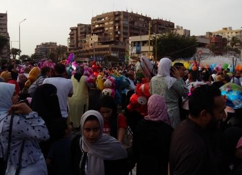 بالصور  المصلون يؤدون صلاة عيد الفطر وسط فرحة غامرة في ساحات بورسعيد