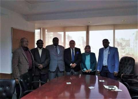"""رئيس """"الصادرات"""" يبحث مع رئيس المقاولين السوداني احتياجات السوق"""