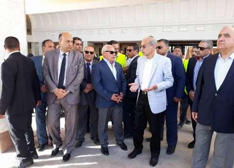 إسماعيل يستمع لشرح من وزير الصحة حول إنشاء مستشفى أطفال بورسعيد