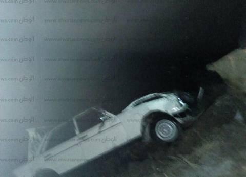 """إصابة 15 مواطنا في انقلاب سيارة ميكروباص على """"الصحراوي الغربي"""" بقنا"""