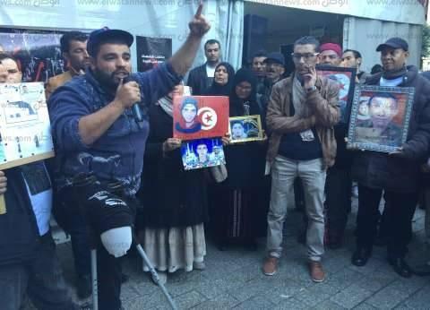 بالصور  أسر الشهداء والمصابين في تونس: لن نحتفل حتى نحصل على حقوق الشهداء