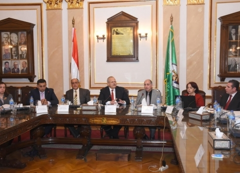 """الخشت: تعظيم دور البحث العلمي بـ""""القاهرة"""" لخدمة الأهداف الوطنية"""