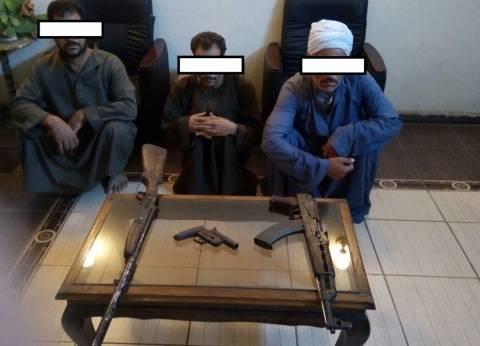 """""""الأمن العام"""" و""""مباحث المنيا"""" يشنان حملة على تجّار السلاح"""