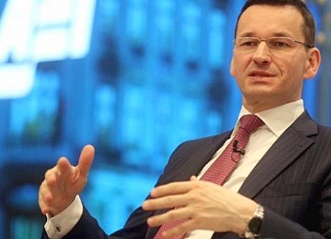 رئيس وزراء بولندا يصل شرم الشيخ للمشاركة في القمة العربية الأوروبية