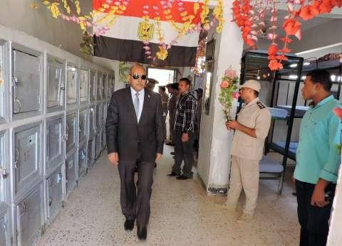 مدير أمن أسوان يتفقد إدارة قوات الأمن للتأكد من مدى جاهزية الضباط والأفراد