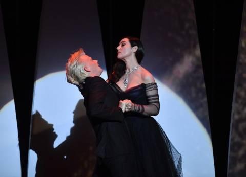 "بالصور| ""قبلات"" مونيكا بيلوتشي تشعل حفل افتتاح مهرجان ""كان"""
