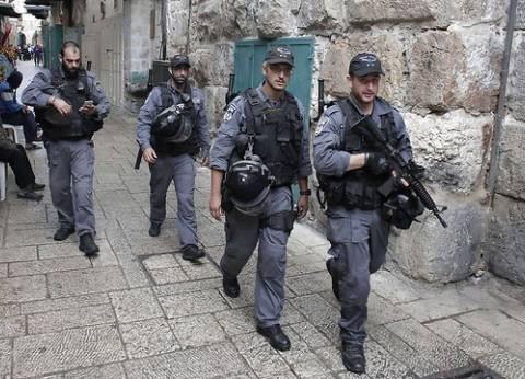 إصابة إسرائيليين في عملية طعن.. وشرطة الاحتلال تلقي القبض على منفذها